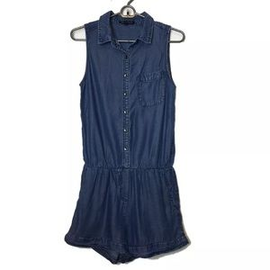 Velvet Heart Blue Chambray Sleeveless Romper